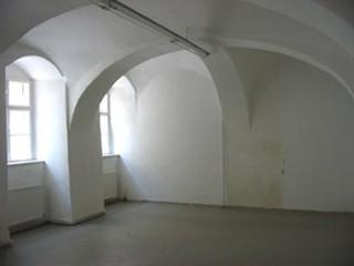 Raum eines Mietobjekts, für das meterriss eine Kostenschätzung für den Umbau als Büro gemacht hat